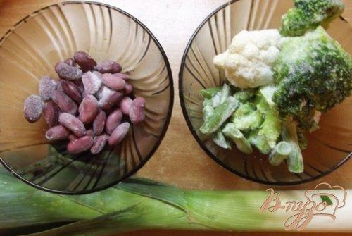 Салат с семенами подсолнечника и кунжута