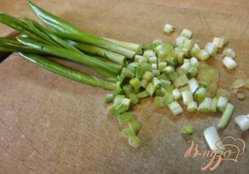 Макароны с фасолью, мясом и зеленью