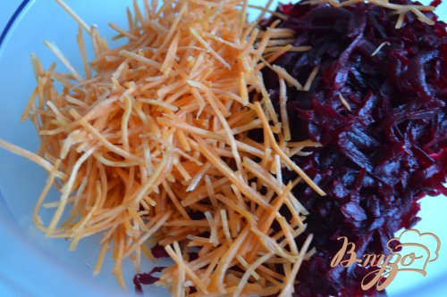 Салат со свеклой и вишнями