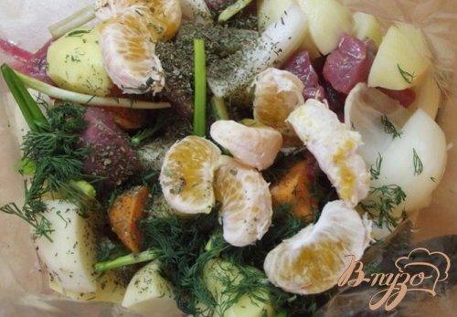 Зпеченные овощи с мясом в виноградном соке