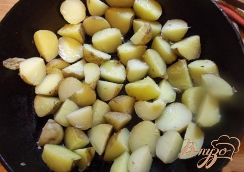 Молодой картофель в кислом соусе