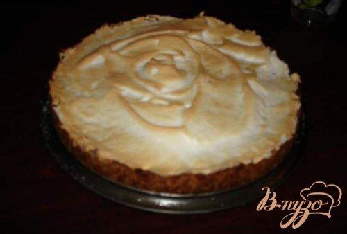 Пирог с грушей, яблоком и меренгой