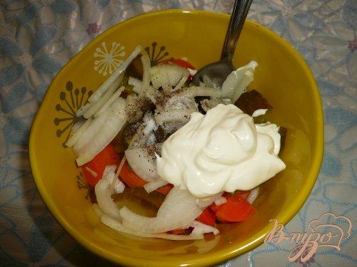 Картофельный салат с огурцами и морковью