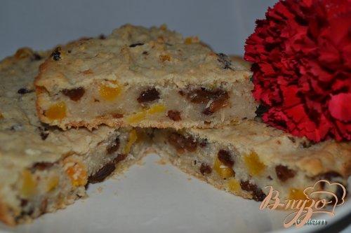 Овсяный пирог на яблочном отваре с сухофруктами