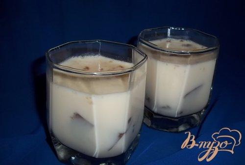 Желе из топленого молока с кусочками шоколадного желе