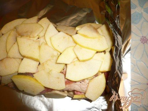 Свинина запеченная с яблоками