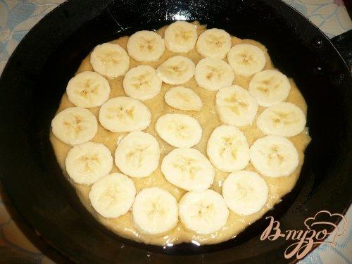 Шарлотка с яблоками и бананом