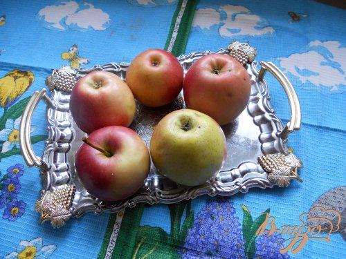 Яблочно-лимонная шарлотка