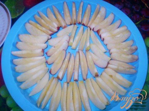 Яблочный клафутти