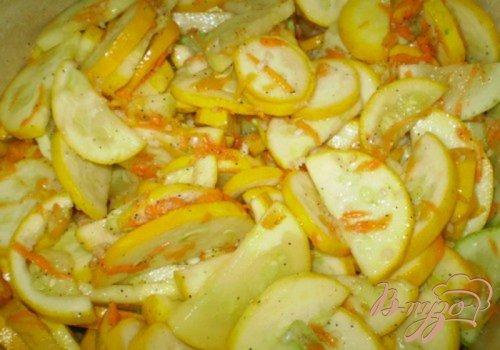 Консервированные кабачки с чесноком и перцем