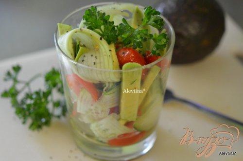 Легкий диетический салат с авокадо