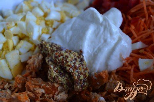 Салат с консервированной семгой и овощами
