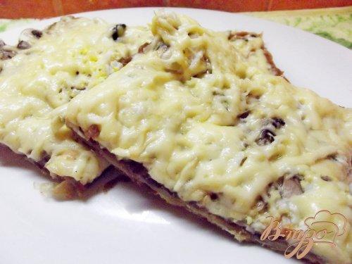 Пицца с сырыми шампиньонами