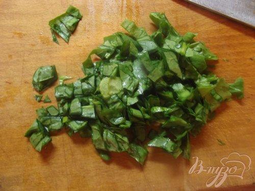 Зеленый весенний салат с кунжутом