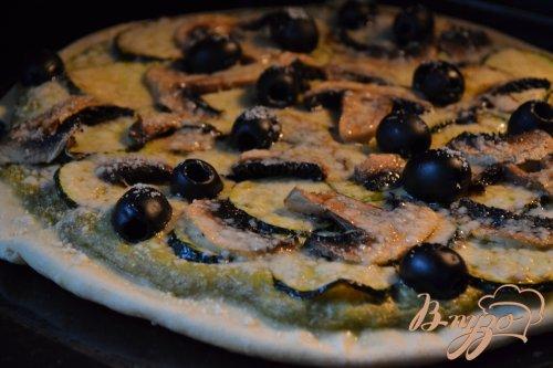Пицца с цукини и шампиньонами
