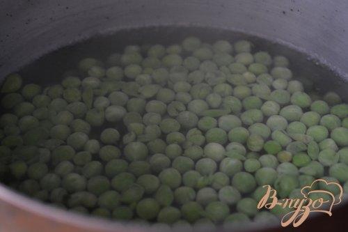Ньокки с зеленым горошком и яйцом