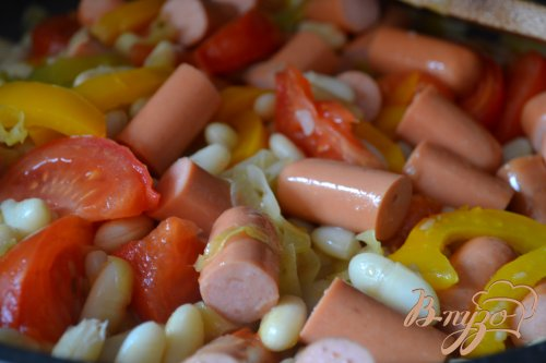 Овощное рагу с копчеными сосисками