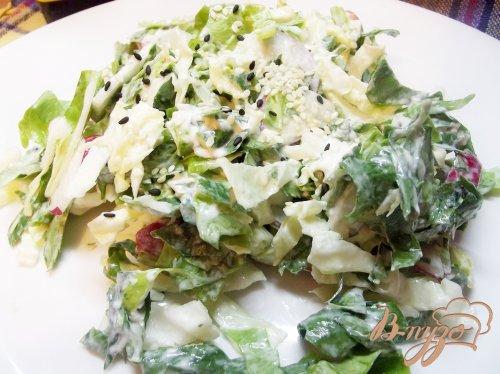 Салат с сельдереем и кунжутом
