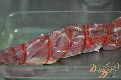Свинина с чесночной-луковой начинкой