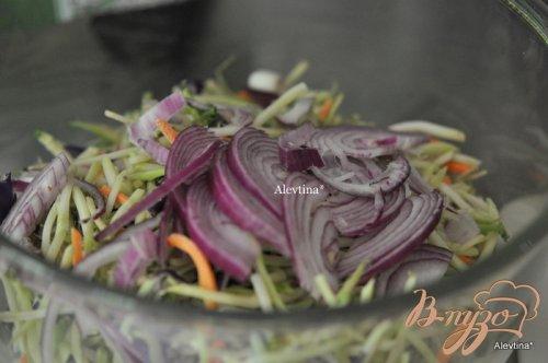 Салат с капустой и беконом