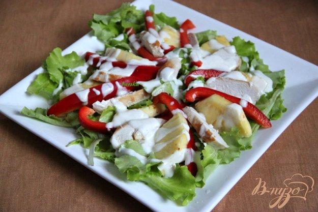 Рецепт Салат из курицы, ананаса и перца под йогуртовой заправкой