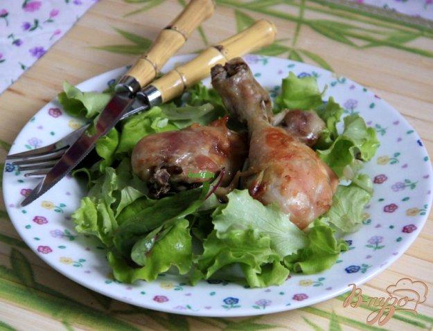 фото рецепта: Куриные голени в карамельно-чесночном соусе