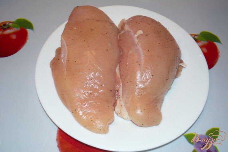 Фото приготовление рецепта: Курочка для бутерброда (завтрака) шаг №2