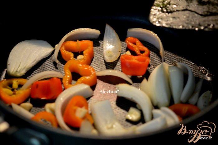 Фото приготовление рецепта: Говядина тушеная с ананасами шаг №2