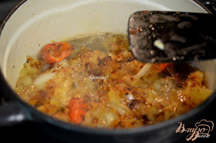Фото приготовление рецепта: Говядина тушеная с ананасами шаг №3