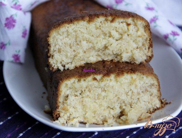 фото рецепта: Кокосовый кекс на кефире