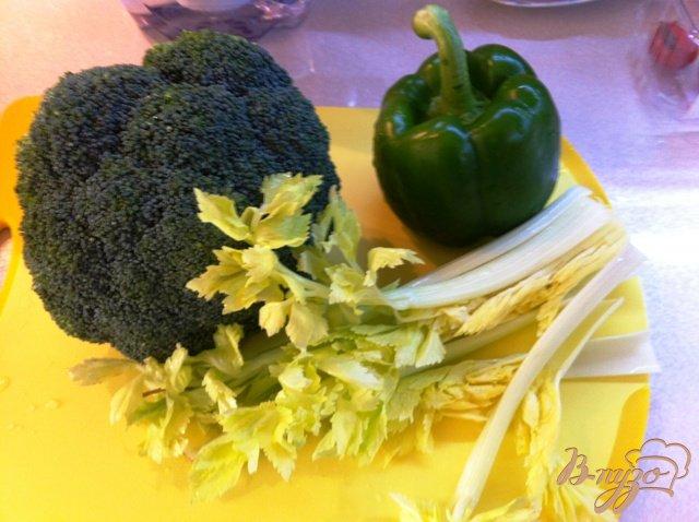 Фото приготовление рецепта: Крем суп из брокколи шаг №1