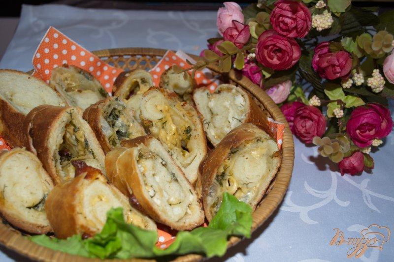Фото приготовление рецепта: Хлебный рулет с сыром шаг №10