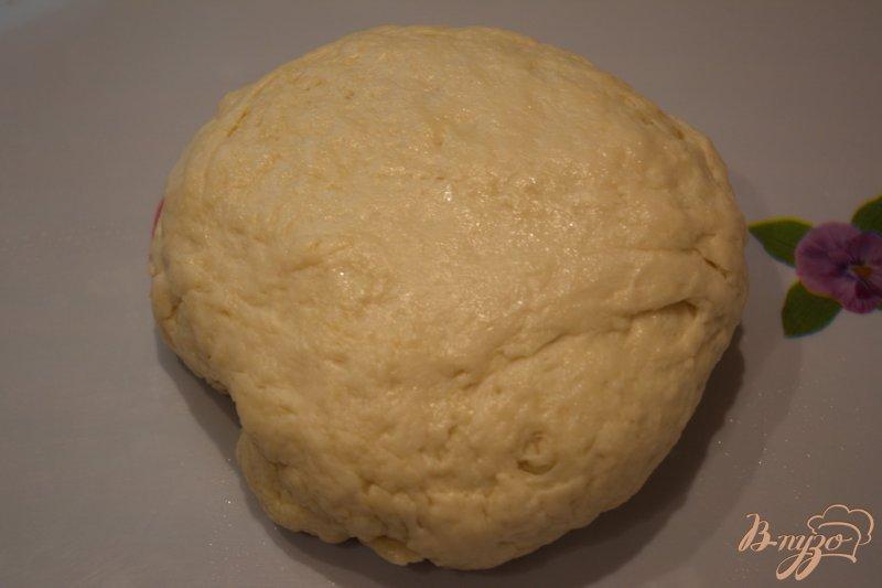 Фото приготовление рецепта: Хлебный рулет с сыром шаг №4