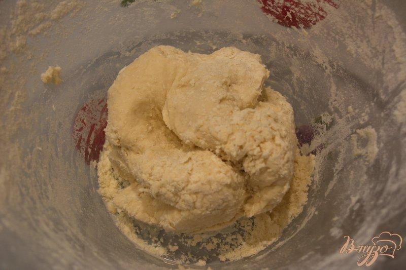 Фото приготовление рецепта: Хлебный рулет с сыром шаг №3
