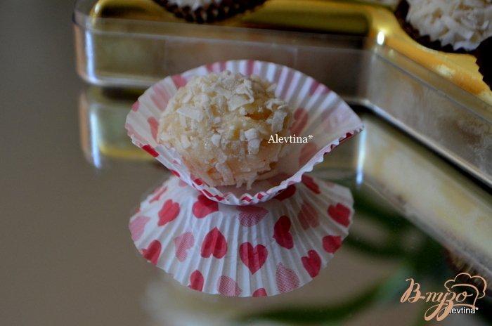 """Фото приготовление рецепта: Конфетки """"Раффаэлки"""" в домашнем исполнение шаг №4"""