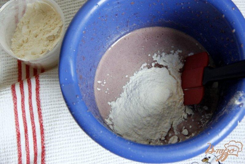 Фото приготовление рецепта: Винный кекс шаг №3