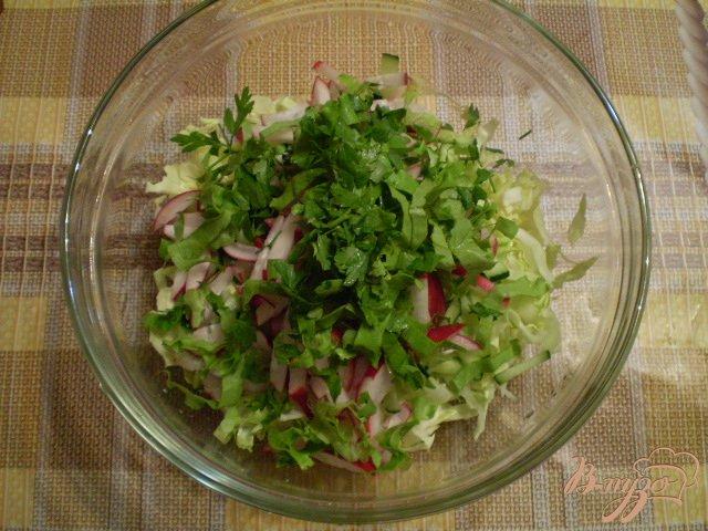Фото приготовление рецепта: Овощной салат с яблоком и майонезом шаг №5