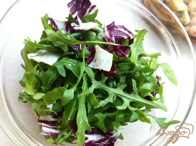 Фото приготовление рецепта: Салат с морепродуктами шаг №2
