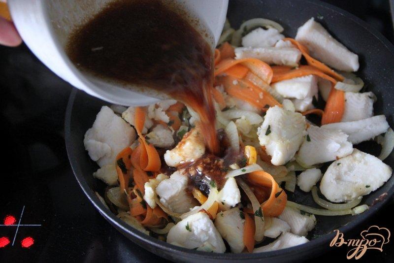 Фото приготовление рецепта: Рыба в пряном маринаде шаг №6