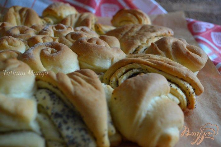 Фото приготовление рецепта: Сдобный пирог с вишневым конфитюром шаг №9