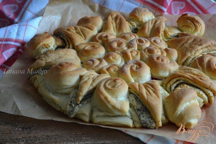 Фото приготовление рецепта: Сдобный пирог с вишневым конфитюром шаг №8