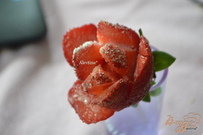 Фото приготовление рецепта: Торт праздничный с ягодным вкусом шаг №9