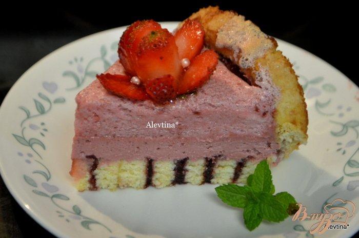 Фото приготовление рецепта: Торт праздничный с ягодным вкусом шаг №11