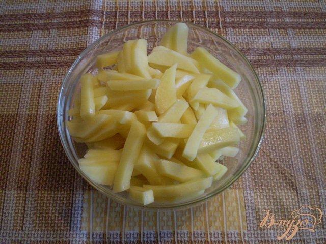 Фото приготовление рецепта: Фриттата с картофелем и сыром шаг №2