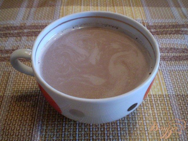 Фото приготовление рецепта: Какао с молоком и корицей шаг №5