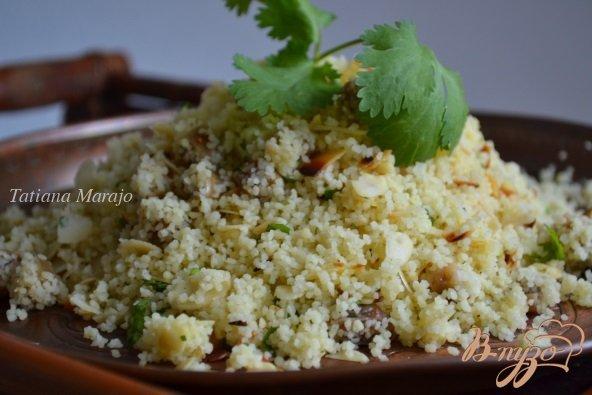 Фото приготовление рецепта: Гарнир из крупы с инжиром и миндалем шаг №5