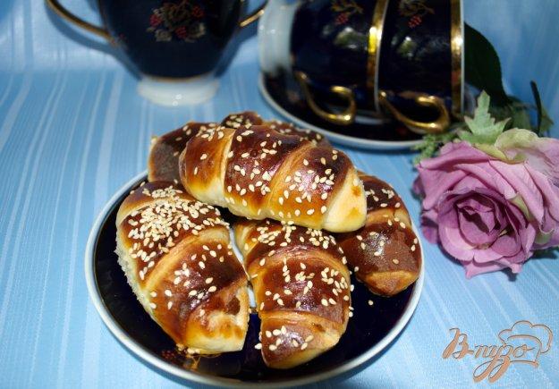 фото рецепта: Круассанчики дрожжевые с шоколадной Нутеллой.