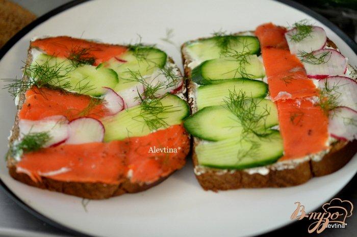 Фото приготовление рецепта: Сэндвич мозаика к чаю шаг №3