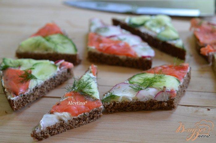 Фото приготовление рецепта: Сэндвич мозаика к чаю шаг №4