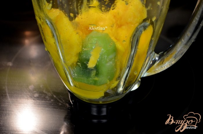 Фото приготовление рецепта: Киви и манго шаг №1